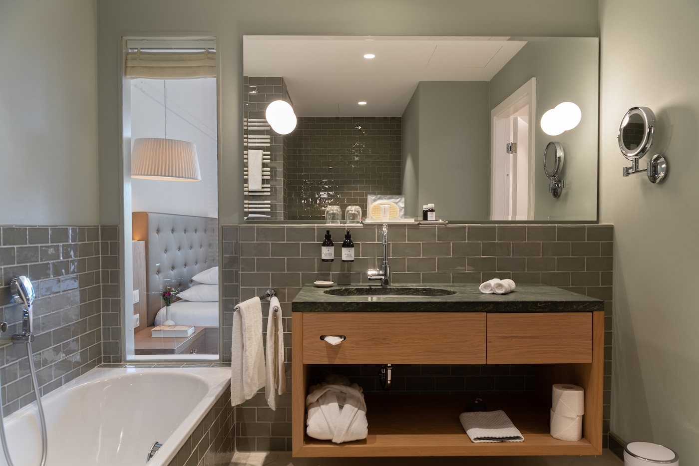 bathroom with stylish accent details in Junior Suite with lake view VIVAMAYR Altausee