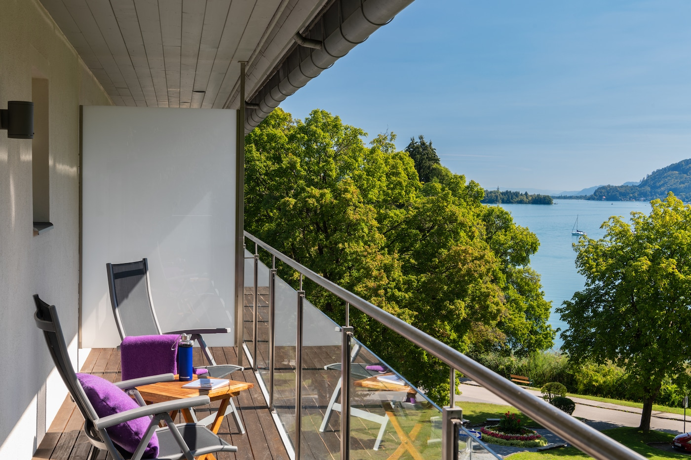 Balcony of Comfort room with mountains and lake view at VIVAMAYR Maria Wörth