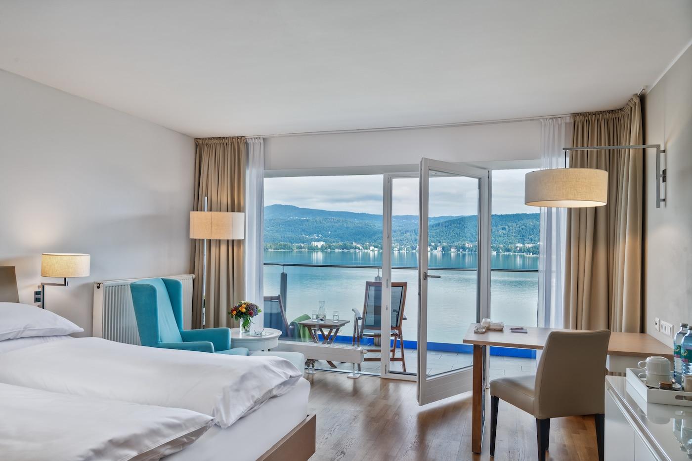 Comfort room with lake view at VIVAMAYR Maria Wörth