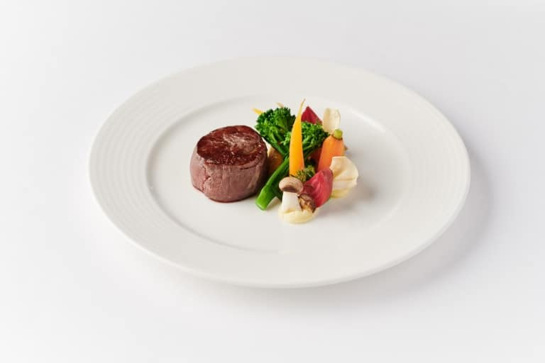 Vivamayr Cuisine | Steak with vegetables
